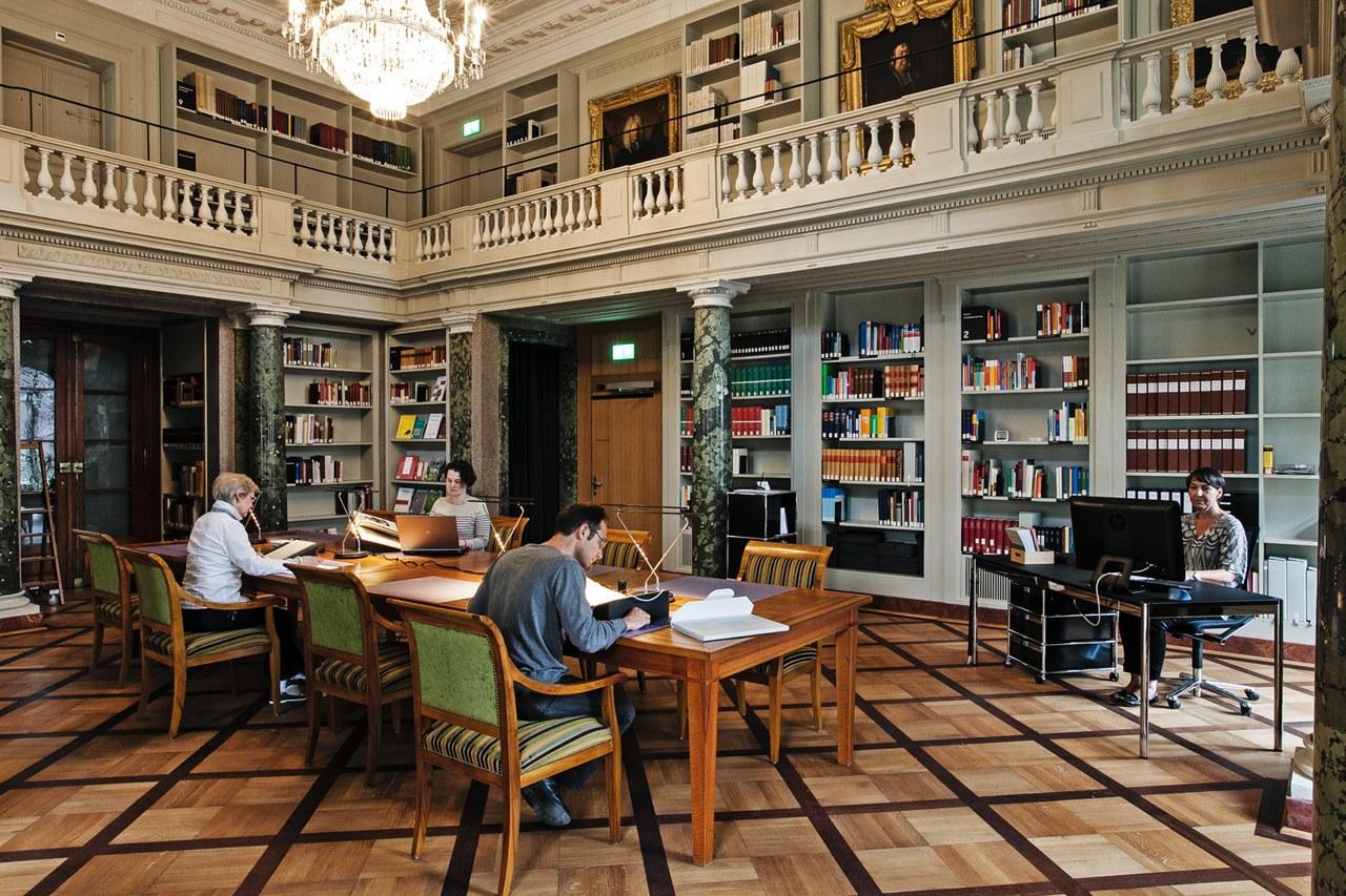 La salle de lecture/Salle Haller